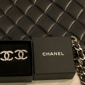 CHANEL Jewelry - 💯Auth Chanel Strass CC silver  stud earring